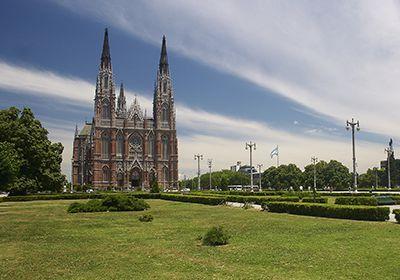 Micro San Miguel de Tucumán a La Plata